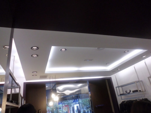 Aviplax solucionamos las humedades de su vivienda sin for Modelos de techos de yeso